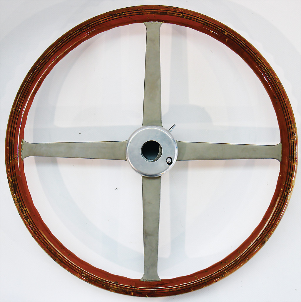 Steering wheel Mercedes Benz W194 - result 11.000 €