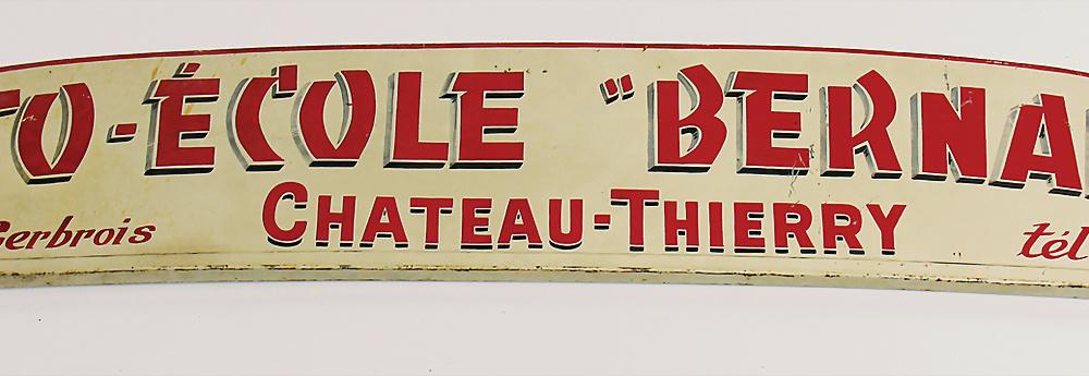 Nr. 3089 - Bemaltes Blechschild für Aufbau Fahrschulfahrzeug in Frankreich 'Auto Ecole Bernard' im Format ca. 126 x 20 cm,